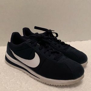 Nike Cortez Ultra Size 5.5 Youth Blue and White